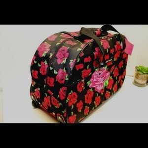 """BETSEY JOHNSON WEEKEND 27"""" DUFFLE CARRY ON"""